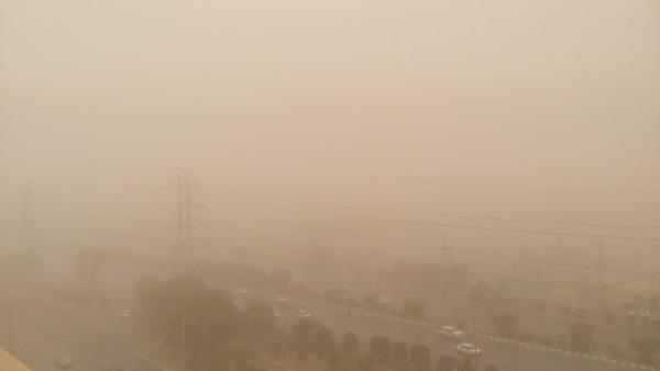 كمترين ميزان قطعي برق در كلانشهر اهواز در اثر وزش باد شديد و گرد و خاك